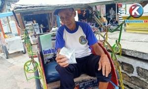Peduli Covid-19, YKWS Lampung Bagikan Masker Pada Warga